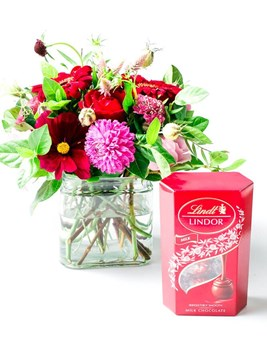 Arrangements: Lindt Love Letter