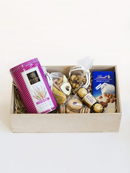 Snack & Gift Hampers: D'licious Lindt Box for Her