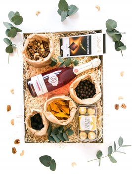 Snack & Gift Hampers: Simply the Best (Non-Alcoholic Champagne)